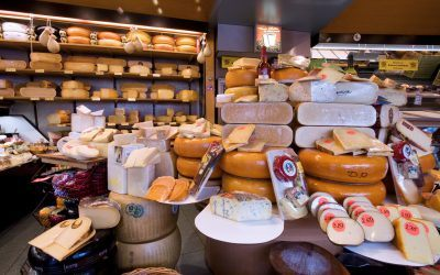 4 Must-Try Local Amsterdam Foods – Dutchie's Guide