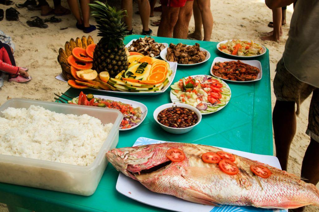 Boat Tour buffet Philippines