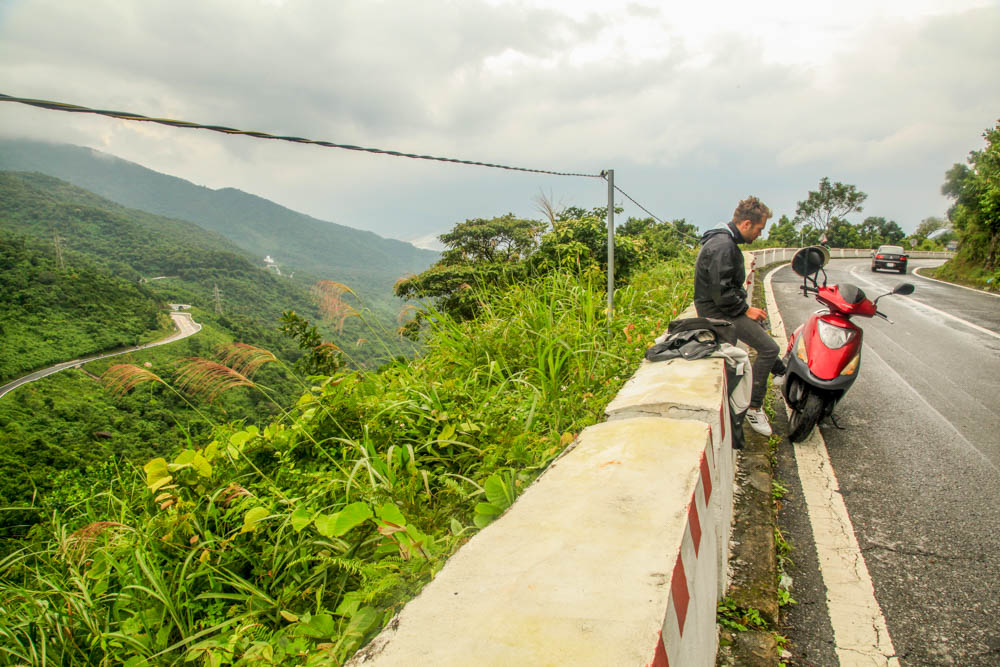Driving the Hai Van Pass – A scenic Route from Da Nang to Hue